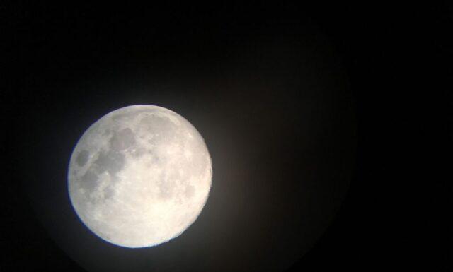 お月様に意識を寄せて