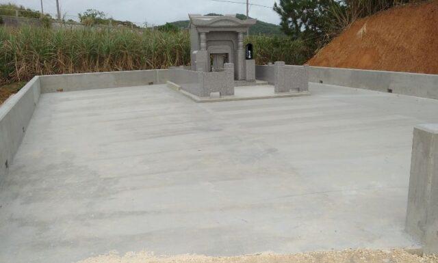 t家之墓新築工事完了 久米島
